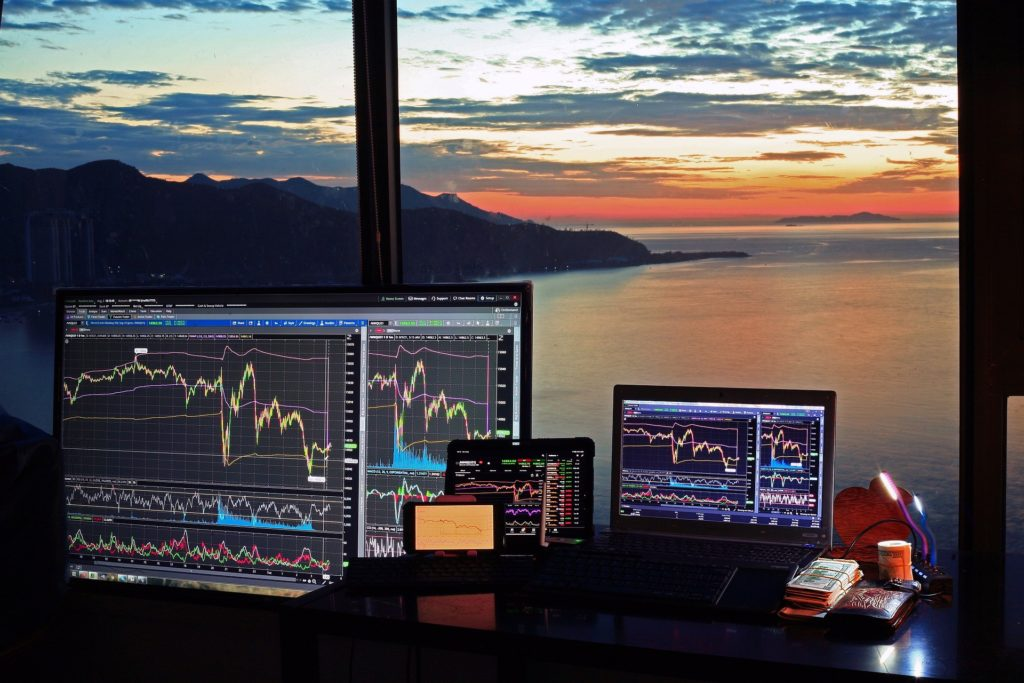 Reduce the risk of trading with these Tips